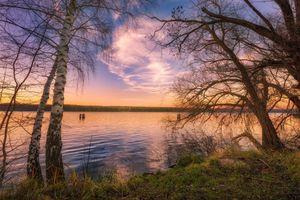 Озеро и закат солнца