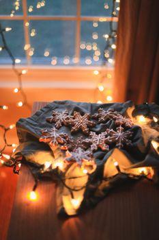 Фото бесплатно рождественские украшения, печенье, огни