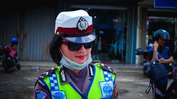 Фото бесплатно девушка, полиция, фотография