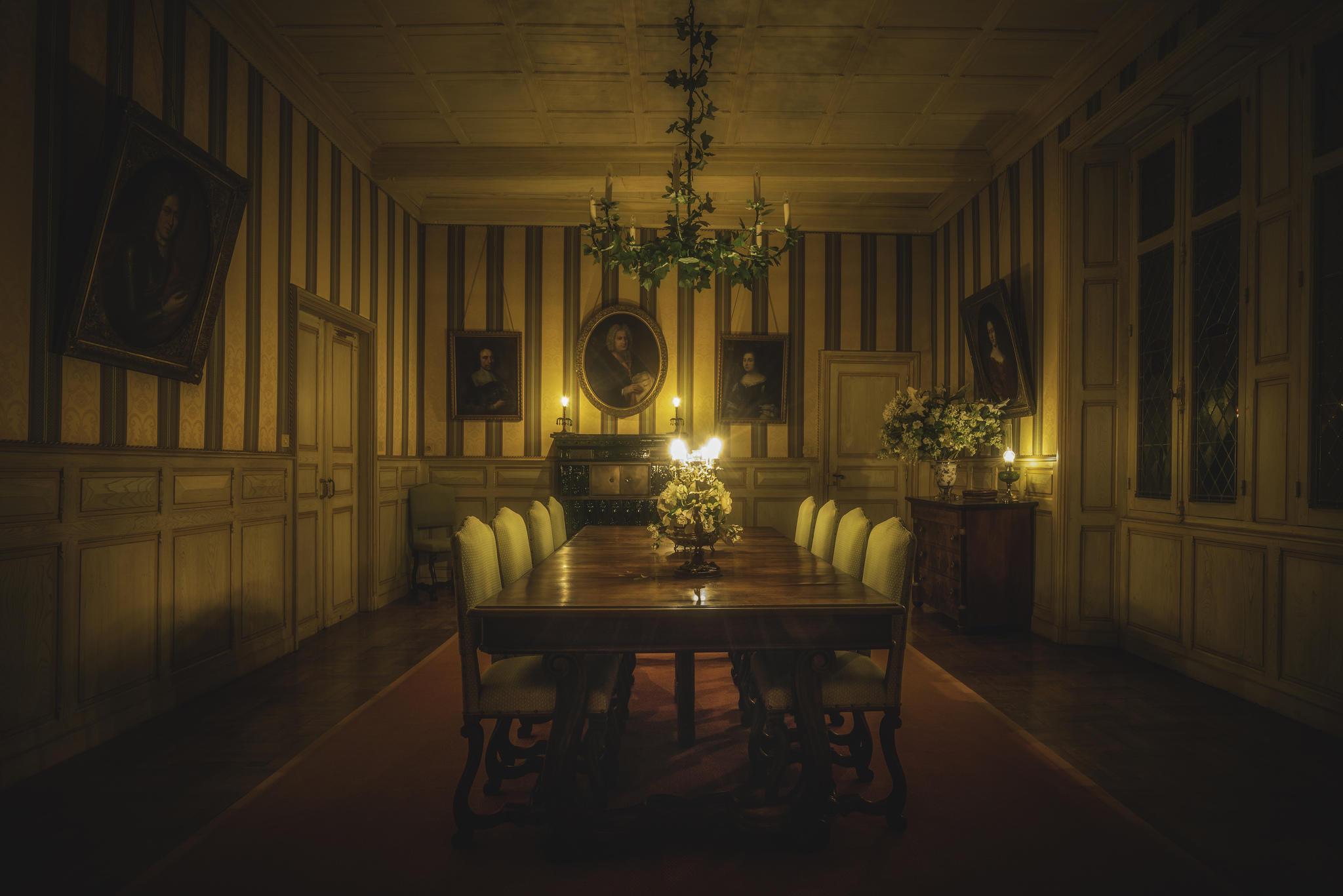 Обои комната, зал, стол, свечи