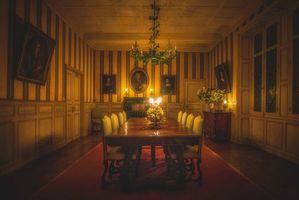 Бесплатные фото комната,зал,стол,свечи,картины,интерьер