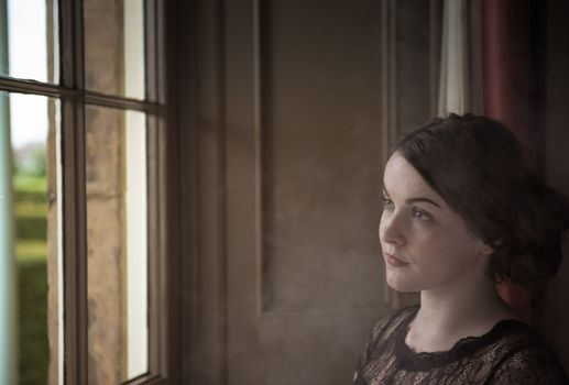 Photo free woman, window, portrait