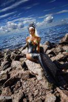 Аня Воеводова фотосет косплей на берегу