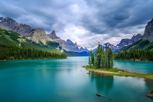 Фото бесплатно Spirit Island, Maligne Lake, озера