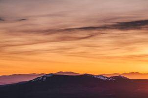 Закат в горах · бесплатное фото