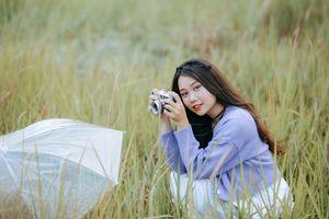 Фото бесплатно девушки, коричневые волосы, камера