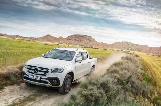 The most beautiful photo mercedes-benz x-class machine
