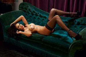 Бесплатные фото Noelle Mondoloni,модель,красотка,голая,голая девушка,обнаженная девушка,позы