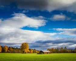 Бесплатные фото осень,поле,дом,деревья,небо,облака,пейзаж