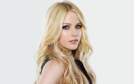Photo free singer, girls, Avril Lavigne