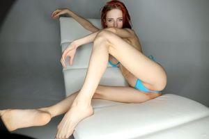 Фото бесплатно красный, трусики, синий бюстгальтер