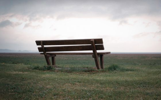 Фото бесплатно скамейка, одиноко, трава