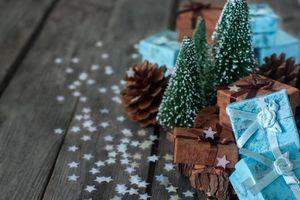 Бесплатные фото elka,shishka,podarki,konfetti