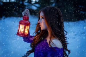 Бесплатные фото женщины,газовые лампы,портрет,лампа,снег,лицо,смотрит в сторону
