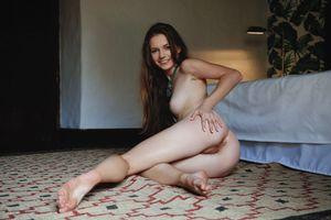Бесплатные фото Sofi Shane,красотка,голая,голая девушка,обнаженная девушка,позы,поза