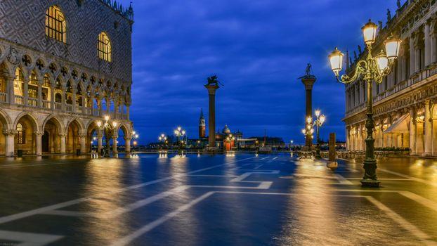 Фото бесплатно Колонны Святого Марка и Святого Теодора, Венеция, Piazzetta San Marco