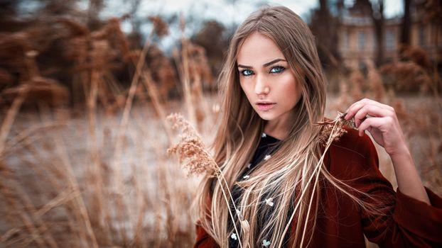 Photo free blue eyes, long hair, blonde
