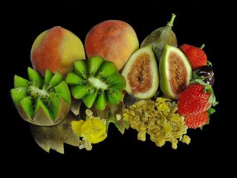 Заставки персики, киви, клубника