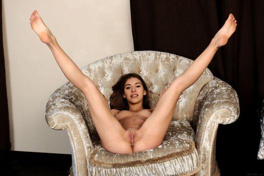 Бесплатные фото Avery,красотка,голая,голая девушка,обнаженная девушка,позы,поза,сексуальная девушка,эротика,Nude,Solo,Posing