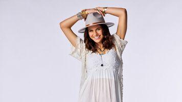 Photo free Alexandra Daddario, hat, dress