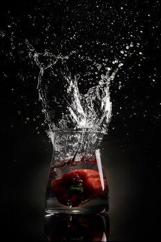 Бесплатные фото стекло,спрей,перец,вода,glass,spray,pepper,water