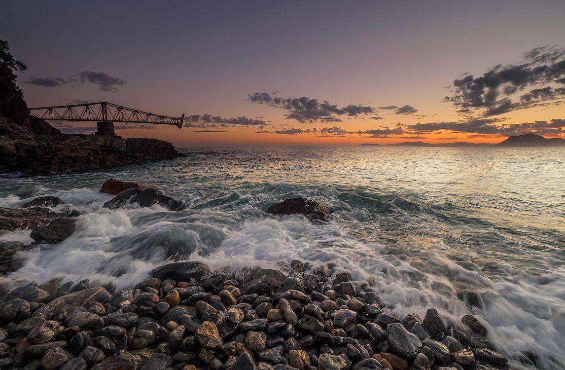 Фото бесплатно закат, море, волны, скалы, камни, пейзаж, пейзажи - скачать на рабочий стол