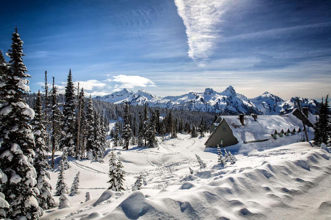 Фото бесплатно зима, горы, снег, сугробы, деревья, домик, пейзаж, пейзажи