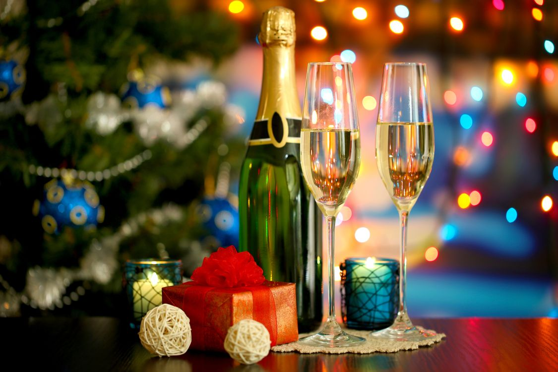Бокалы шампанского · бесплатное фото