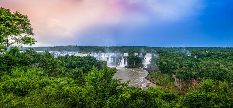 Фото бесплатно водопад, скалы, деревья