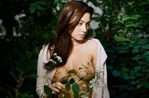 Фото бесплатно принцесса, цветок, сиськи