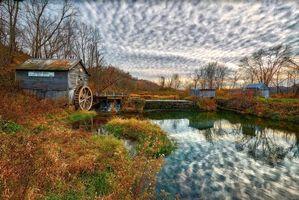Бесплатные фото Висконсин,Hyde s Mill in Fall,осень,водяная мельница,водоём,деревья,пейзаж