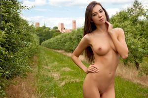 Photo free tits, angelika wachowska, brunette
