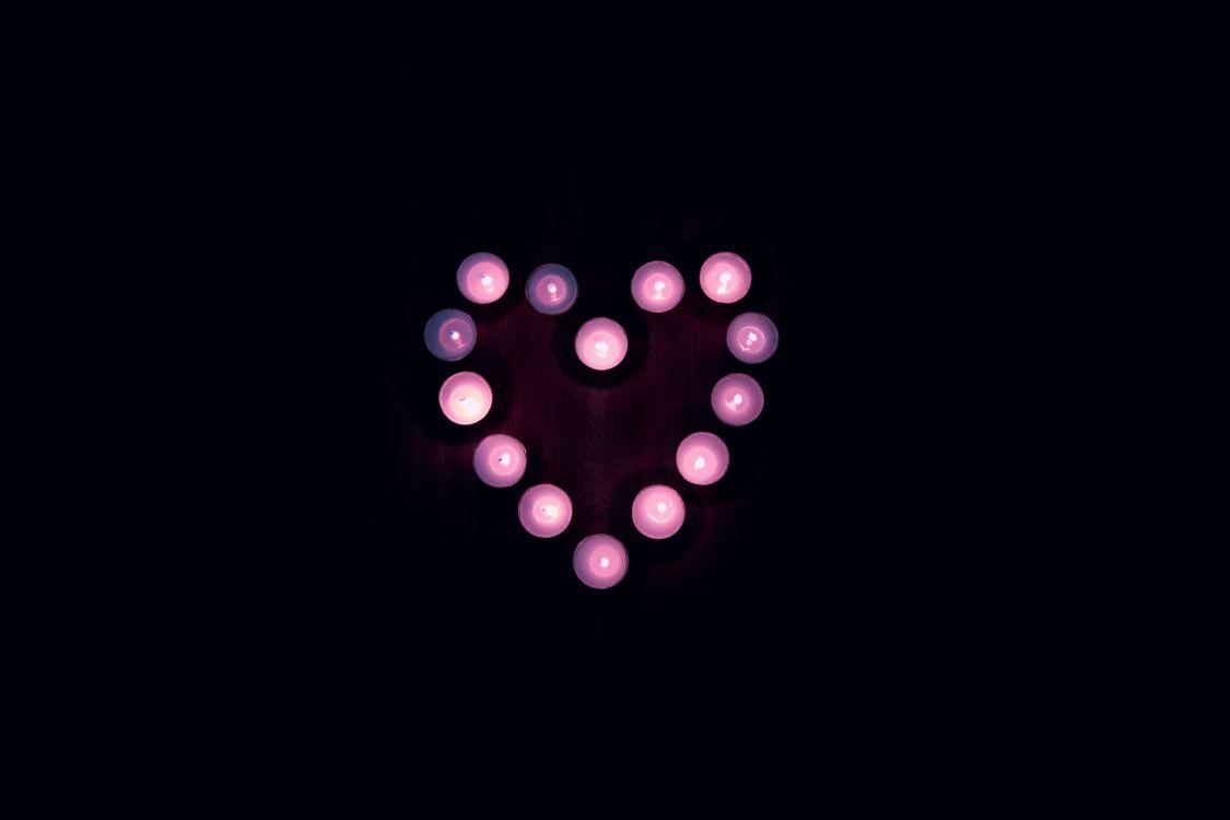 Сердечко из свечей · бесплатное фото