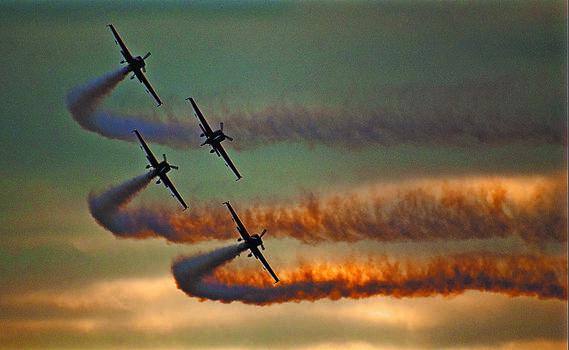 Photo free smoke, aircraft, evening