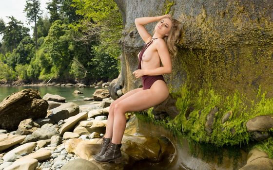 Фото бесплатно майя рае, купальник, блондинка, озеро, сиськи, топлесс, maya rae, swimsuit, blonde, lake, tits, topless