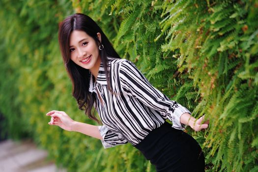 Photo free shrubs, smile glance, real girls