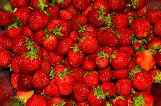 Смотрите картинки на тему ягоды, клубника