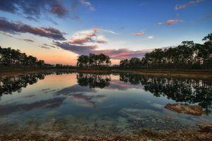Заставки озеро, закат солнца, деревья