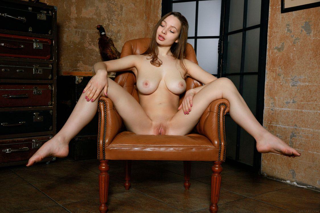 Фото бесплатно Charlize, модель, красотка, голая, голая девушка, обнаженная девушка, позы, поза, сексуальная девушка, эротика, эротика