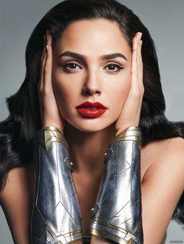 Photo free singer, red lipstick, Gall Gadot