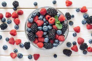 Фото бесплатно ягоды, много, ежевика, малина, черника