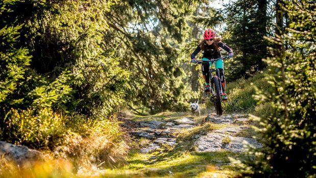 Фото бесплатно горные велосипеды, шлем, велосипед