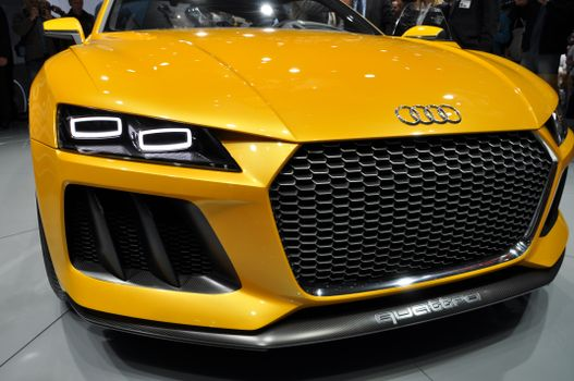 Photo free exhibition, yellow cars, auto show