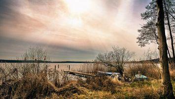 Бесплатные фото закат,озеро,лодка,мостик,причал,деревья,пейзаж