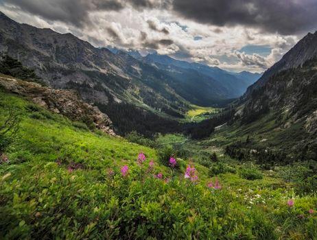 Photo free Spider Meadows, Glacier Peak Wilderness, mountains