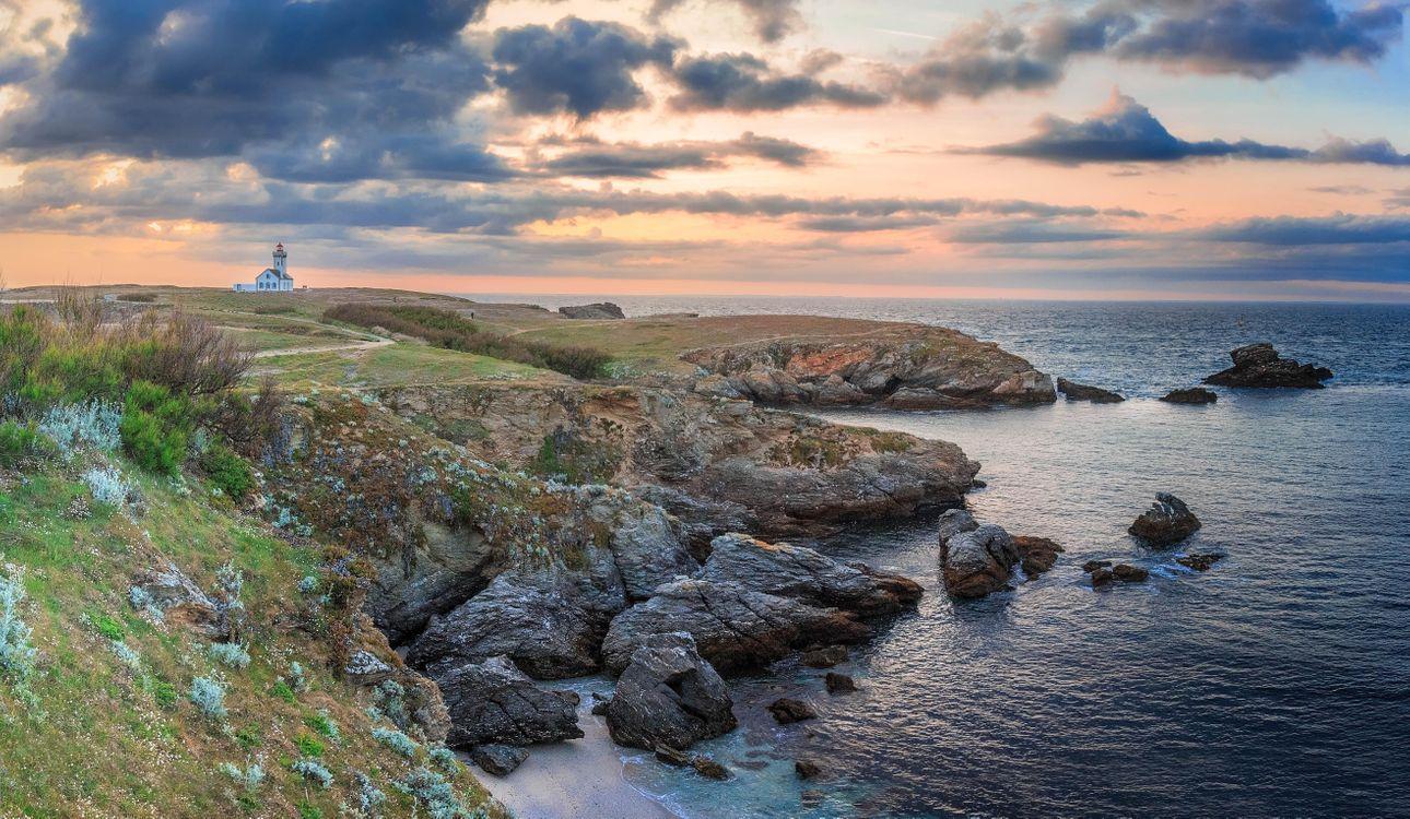 Фото бесплатно Бретань, Франция, маяк, побережье, закат, море, скалы, пейзаж, пейзажи