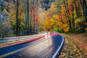 Обои Smoky Mountains National Park, Грейт Смоки Маунтинс Парк, штат Теннесси, осень, дорога, лес, деревья, пейзаж