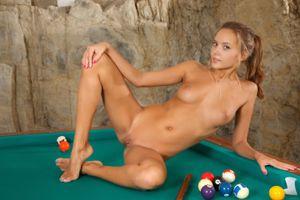 Бесплатные фото Mango A,модель,красотка,голая,голая девушка,обнаженная девушка,позы
