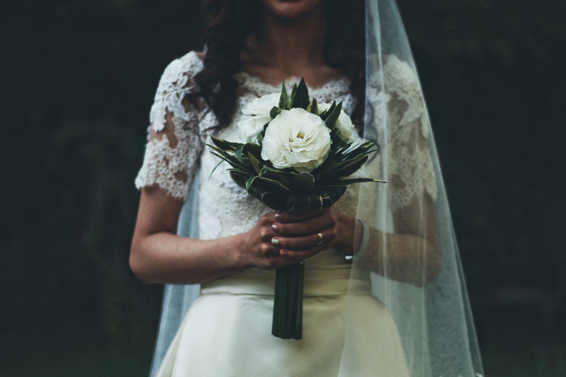 Фото свадебное платье букет невеста - бесплатные картинки на Fonwall