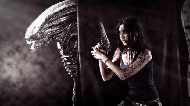 Photo free women, weapons, Xenomorph